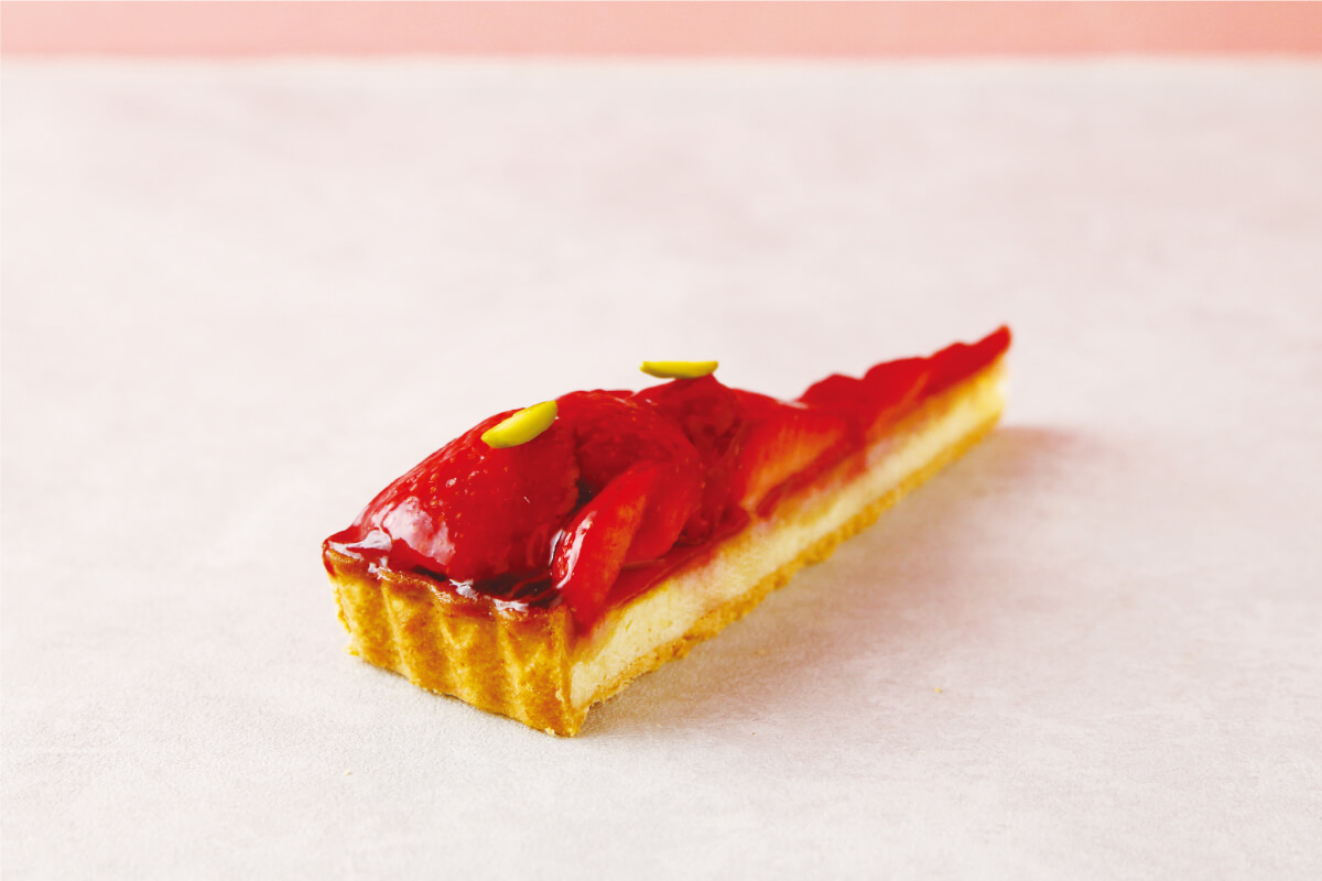 """PATISSERIE TOOTH TOOTH「福岡県産""""あまおう""""のタルトフレーズ」"""